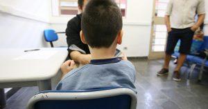 Falso tratamento para autismo ameaça saúde de crianças