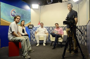 Equipe da TV USP Bauru: Guilherme Bacciotti, Paula Marques, José Henrique Rubo, Vitor Oshiro e Nico Stolzel | Foto: Denise Guimarães/FOB-USP