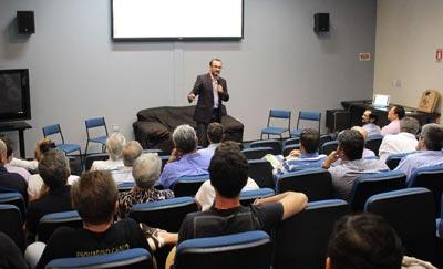Professor Luiz Ricardo Kabbach de Castro, coordenador do Grupo de Excelência em Empresas Familiares | Foto: Keite Marques