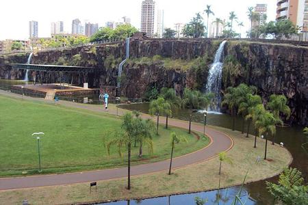 Parque Municipal Dr. Luis Carlos Raya - Foto: Anderson Bueno/Wikimedia Commons