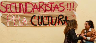 Artistas e estudantes-secundaristas protestam no prédio da FUNARTE, em São Paulo - Foto: Rovena Rosa/ Agência Brasil