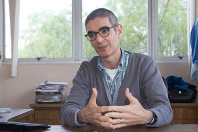 Professor Roberto Ruggiero Braga - Foto: Marcos Santos/USP Imagens