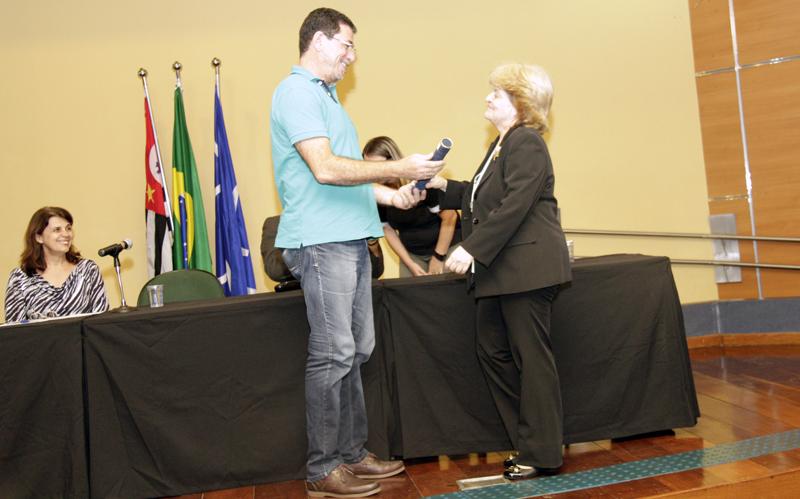Augusta recebeu seu quarto diploma durante colação de grau na EACH - Foto: Gabriel Almeida/EACH