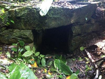 Parte da estrutura do canal que abastecia a mineração/Arquivo da pesquisadora