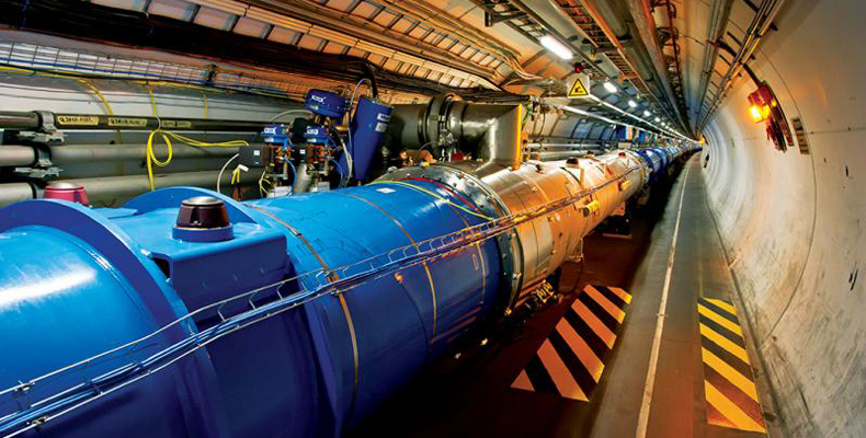 Um dos locais do experimento, o Large Hadron Collider (LHC), na Europa, o maior acelerador de partículas no mundo - Foto: Divulgação/CERN