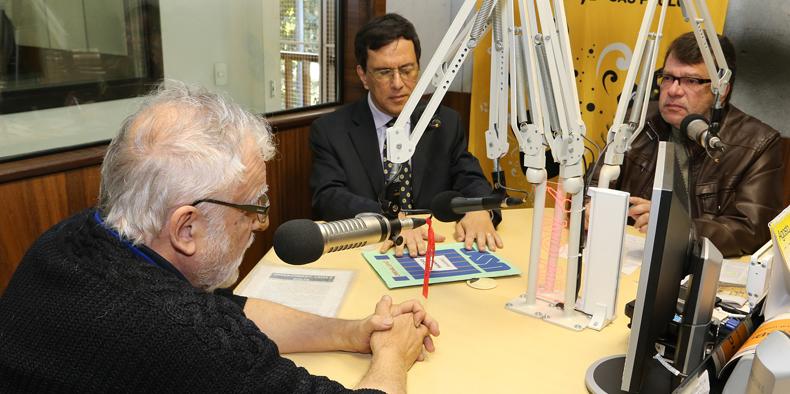 Diálogos na USP com Oswaldo Coggiola e Alberto do Amaral Júnior - Foto: Marcos Santos/USP Imagens