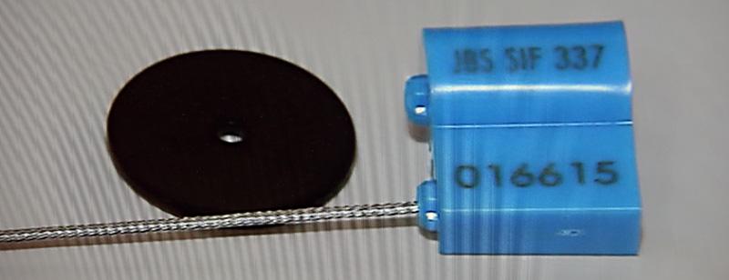 Lacre eletrônico com chip do sistema Canal Azul - Foto: Cecília Bastos/Usp Imagens
