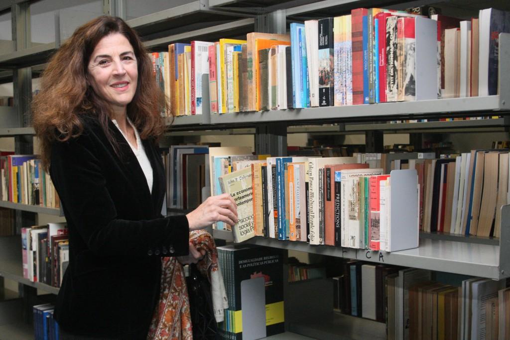 A viúva do embaixador Clodoaldo Hugueney Filho, Dora Sampaio, que doou seu acervo, com foco em questões de política externa e História das Relações Internacionais, à biblioteca do IRI | Foto: Ernani Coimbra