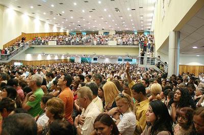 Culto em uma igreja evangélica - Foto: Wikimedia Commons