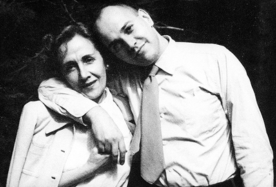 Paulo Emilio com sua mãe, Gilda, em 1960 - Foto: Reprodução/Acervo Lygia Fagundes Telles