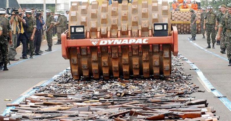 A entrega de armas faz parte da Campanha do Desarmamento, que já recolheu mais de 64 mil armas - Foto: Roosevelt Pinheiro/Agência Brasil