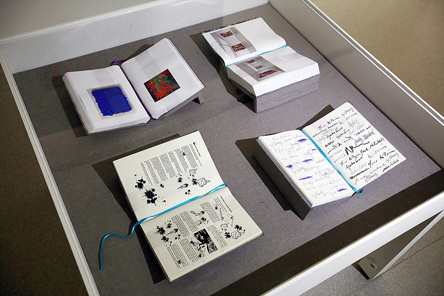 """Livros de artista e o manual """"Como fazer um Pollock"""""""