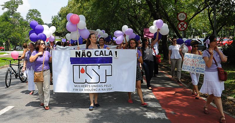 Mulheres unidas pelo fim da violência na USP - Foto: Marcos Santos/USP Imagens