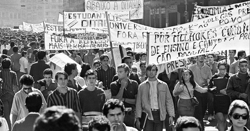 Movimento estudantil de 1968 - Foto: Evandro Teixeira/Museu Afro Brasil