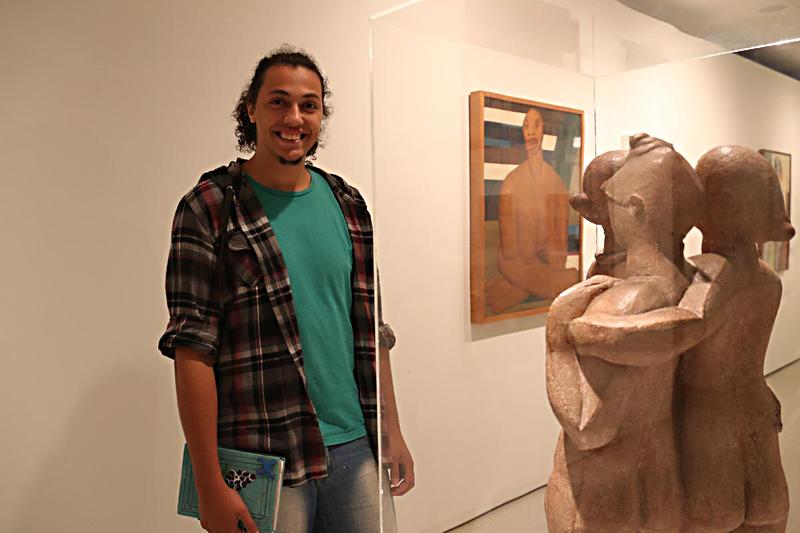 """Diogo Henrique Feliciano: """"É um acervo que é uma síntese da História da Arte"""" - Foto: Cecília Bastos/USP Imagens"""