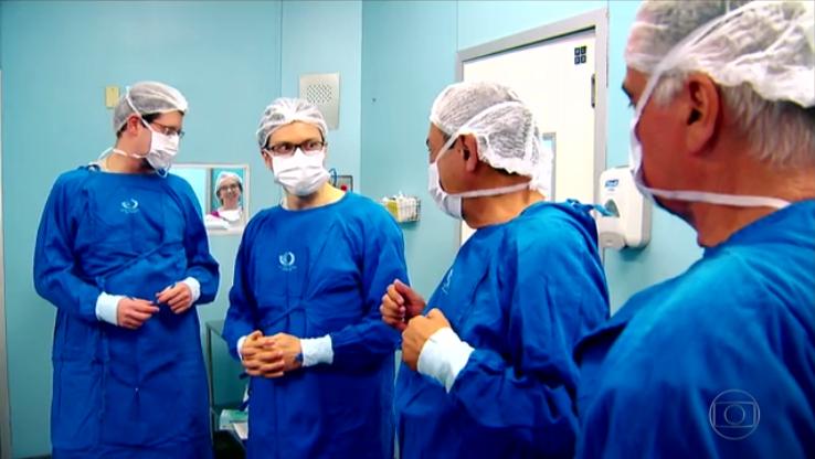 Equipe médica do HC que realizou o transplante de útero / Foto: Portal do Governo do Estado/SP