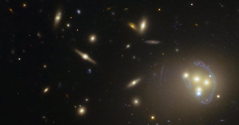 Pela primeira vez, a matéria escura pode ter sido observada interagindo com outras matérias escuras de uma forma que não seja por meio da força da gravidade. Observações de galáxias em colisão feitas com o Telescopio do ESO e o Telescópio Espacial da NASA / ESA Hubble. Primeiros indícios intrigantes sobre a natureza deste componente misterioso do Universo. Foto: ESO