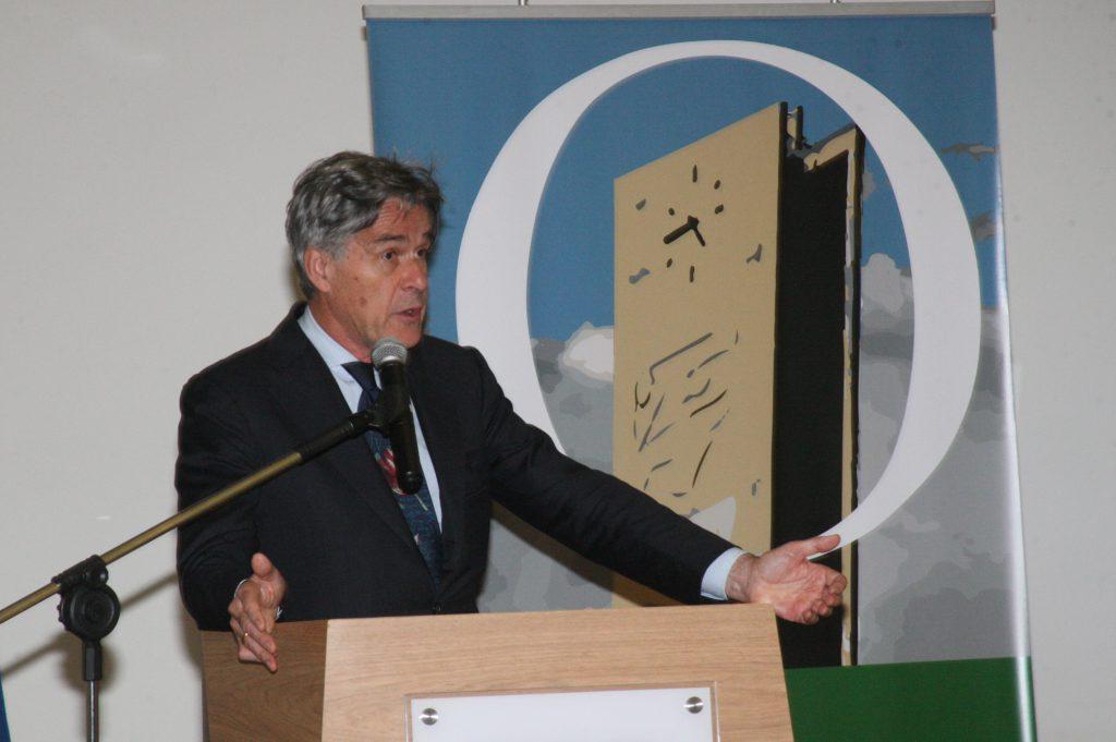 O presidente do Observatório Magna Charta Universitatum, Sijbolt Noorda, ressaltou os principais desafios do ensino superior no mundo atual - Foto: Ernani Coimbra
