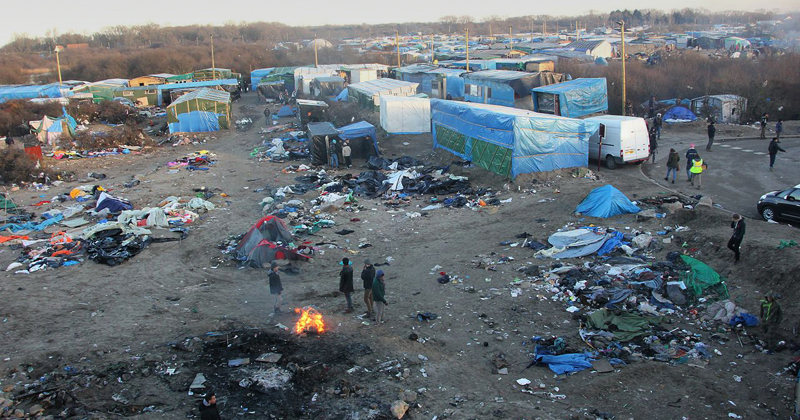 Refugiados em Calais - Foto: Wikimedia Commons