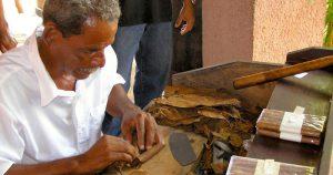 Cultura festiva do povo cubano convivia com a sombra da repressão