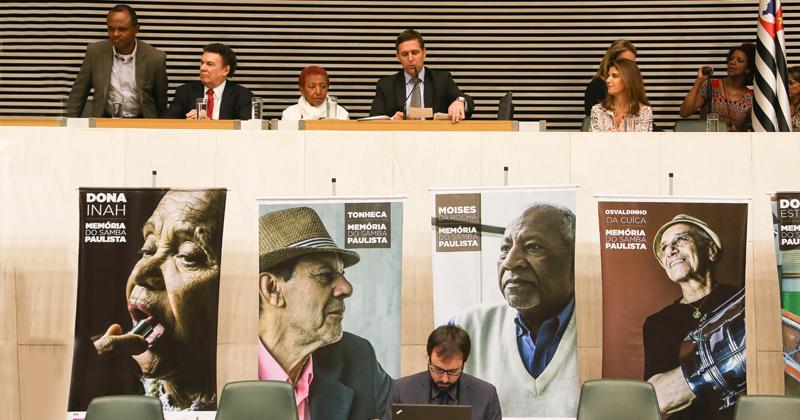 Assembleia Legislativa homenageia os incentivadores do samba de São Paulo - Foto: Marcos Santos/USP Imagens