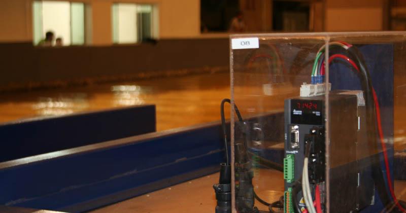 Batedores que criam ondas artificiais e podem ser posicionados em diferentes pontos da bacia - Foto: Denis Pacheco