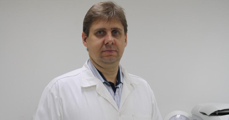 Professor Valtencir Zucolotto, coordenador do Laboratório de Nanomedicina e Nanotoxicologia do IFSC