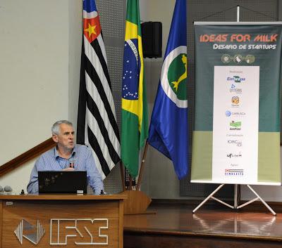 O professor José Carlos Maldonado no lançamento do desafio Ideas for Milk em São Carlos - Foto: Denise Casatti/ICMC
