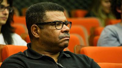 O professor Edson Moreira durante o workshop de lançamento do concurso Be an Icon - Foto: Assessoria de Comunicação do CeMEAI
