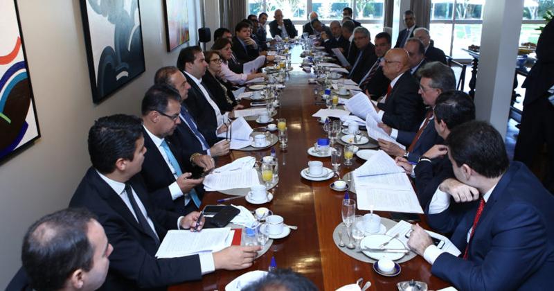 Reunião de líderes para discutir sobre o projeto que trata da recuperação fiscal dos estados - Foto: Gilmar Felix/ Câmara dos Deputados