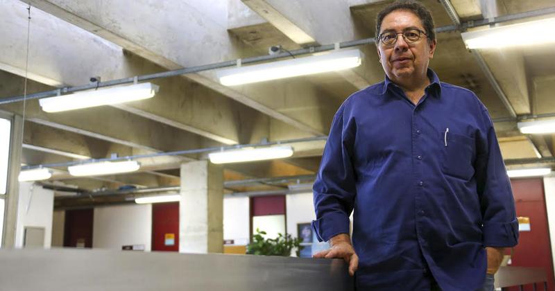 Professor Flávio Ulhoa Coelho do IME ministra aulas sobre história da álgebra e agora decidiu estudar suas origens filosóficas. Foto: Cecília Bastos/USP Imagens