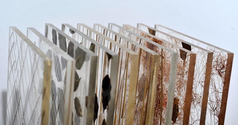 Chapas acrílicas orgânicas fazem parte do acervo da materioteca da FAU - Foto: Projeto Materialize