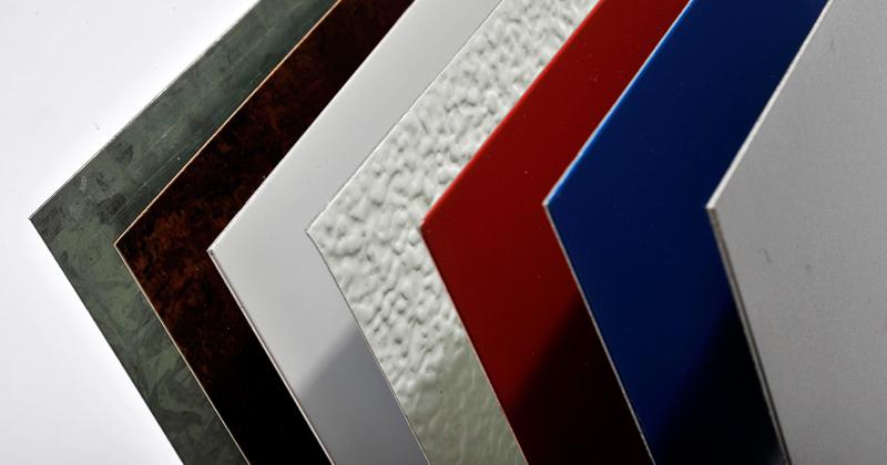 A materioteca possui chapas de aço coloridas - Foto: Projeto Materialize