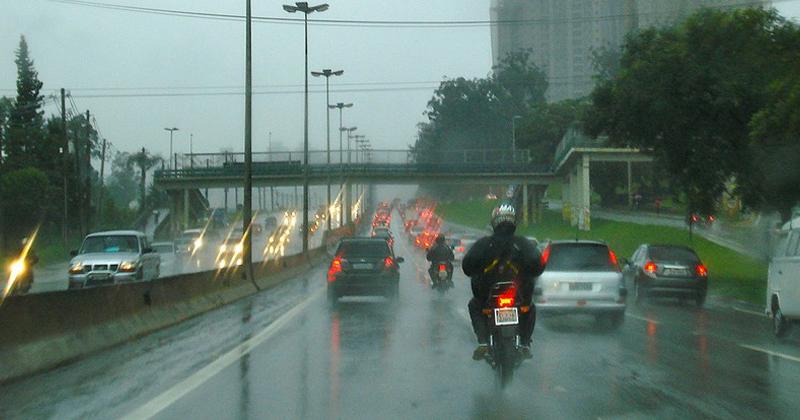 Ausência de umidade também é responsável pela falta de chuvas - Foto: Beedieu/Visualhunt