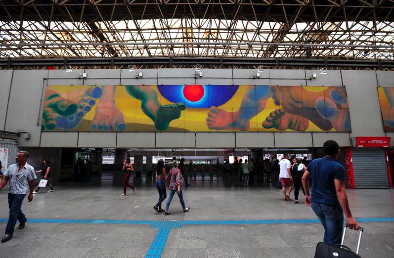 Fig.10. Gontran Guanaes Netto - A Catedral do Povo – Painel 9, 1990. Painel, óleo sobre madeira, 2,0 X 13,0 m. Estação Corinthians – Itaquera - Foto: Marcos Santos/USP Imagens.