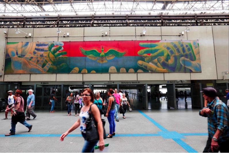 Fig.11. Gontran Guanaes Netto A Catedral do Povo – Painel 4, 1990. Painel, óleo sobre madeira, 2,0 X 13,0m. Estação Corinthians-Itaquera - Foto: Marcos Santos/USP Imagens.