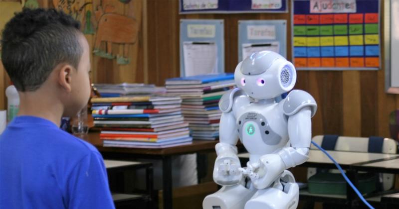 Interação humano-robô é tema de várias pesquisas desenvolvidas em São Carlos - Foto: Denise Casatti - Assessoria de Comunicação do ICMC