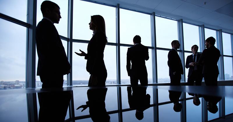 Negros são excluidos de postos mais elevados nas empresas brasileiras - Foto: Freepik