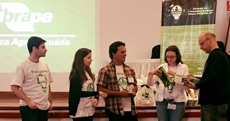 Equipe Time Limit Exceeded USP durante evento de programação - Foto: Divulgação