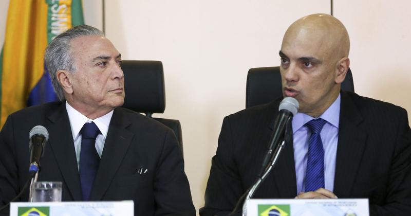 Alexandre de Moraes, ministro da Justiça, à direita - Foto: Rovena Rosa/Agência Brasil