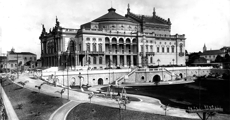Teatro Municipal de São Paulo em 1911, foto de Militão Augusto de Azevedo: primeiro grande fotógrafo da cidade de São Paulo - Foto: Reprodução