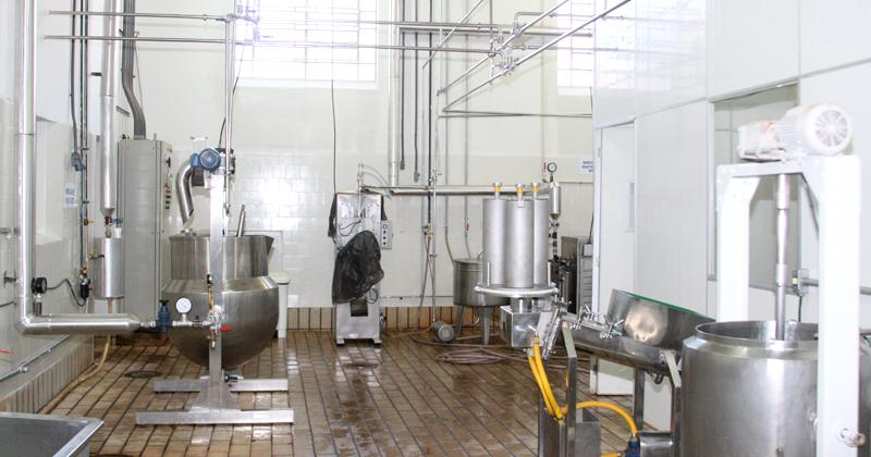 Imagem dos equipamentos da Seção de laticínios da USP