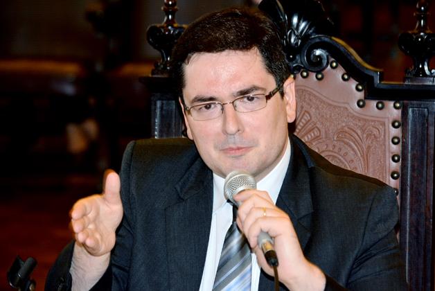 Pesquisador Luiz Barbugiani defende tese de doutorado no Salão Nobre da FD - Foto: Divulgação