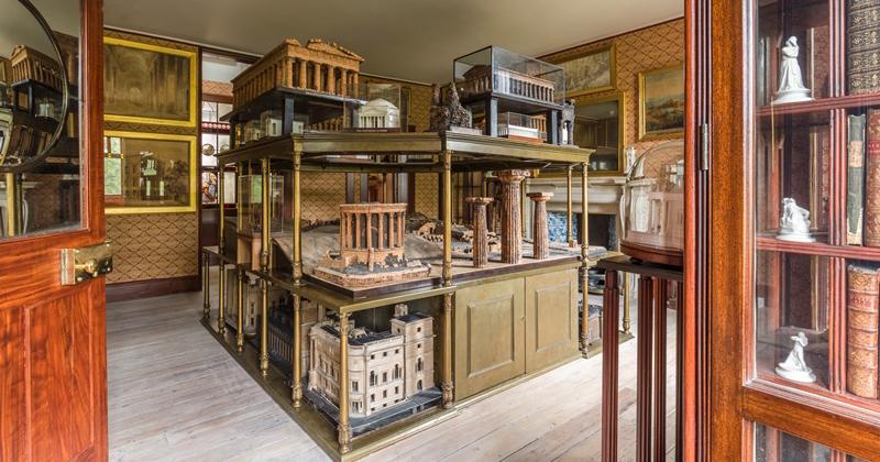 John Soane's Museum, em Londres, é exemplo de antimuseu ao desconstruir a ideia universal de museu - Foto: Divulgação/Soane.org