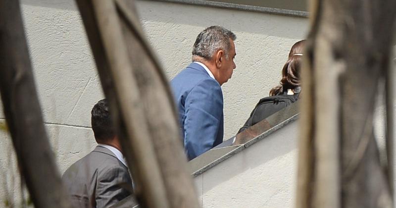 Presidente da Assembléia Legislativa do Rio de Janeiro (Alerj), Jorge Picciani, chega à sede da Polícia Federal para prestar depoimento após mandado de condução coercitiva - Foto: Tânia Rêgo/Agência Brasil via Fotos Públicas