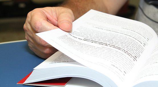 Presidiários têm oportunidade de reduzir pena através de leitura