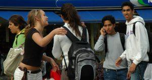Adolescentes iniciam vida sexual cada vez mais cedo
