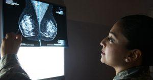 Reconstrução de mama recupera funcionalidade e autoestima