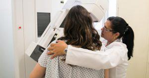Métodos contraceptivos hormonais associam-se ao câncer de mama