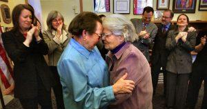 Psicóloga traça trajetória de casais homossexuais juntos há décadas